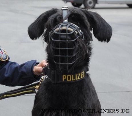 Gummierter Drahtkorb mit Stirnriemen für Diesnthunde und Polizeihund